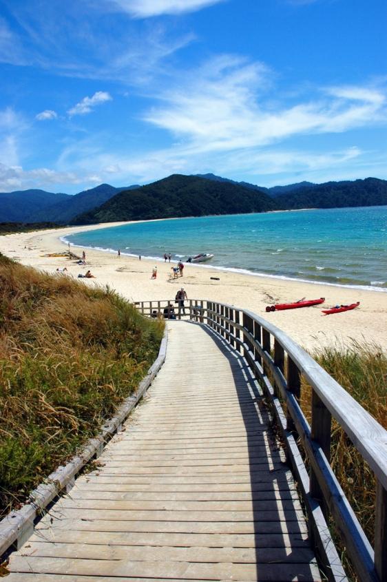 abel tasman boardwalk park new zealand aavtravel