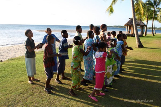 ChildrensChoirPerformancIntercontinentalFiji aavtravel