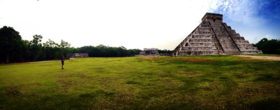 Early mornin at Chichen Itza