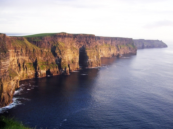 cliffs of moher ireland aavtravel