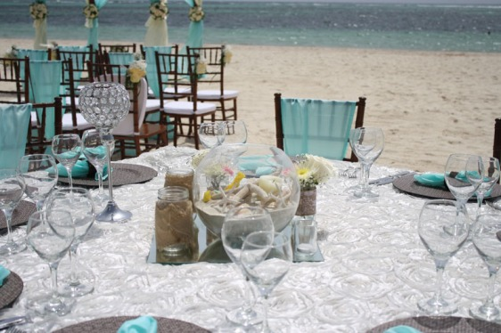 destination wedding, punta cana, dominican republic, la romana, secrets, dreams, now, aavtravel, beach wedding, centerpiece, turquoise, table setting