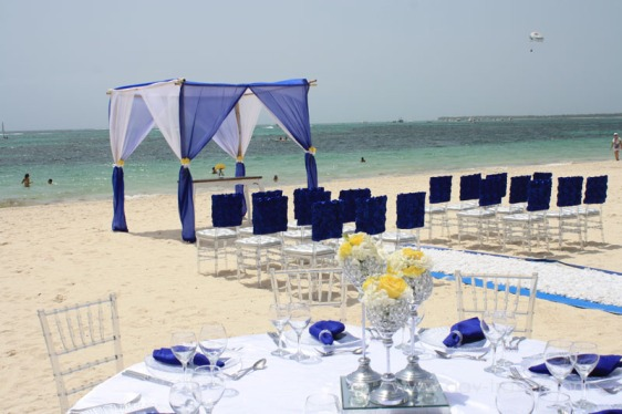 destination wedding, punta cana, dominican republic, la romana, secrets, dreams, now, aavtravel, beach wedding, navy blue, ceremony
