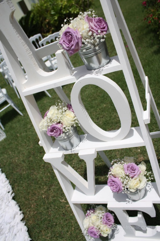 destination wedding, punta cana, dominican republic, la romana, secrets, dreams, now, aavtravel, beach wedding, flowers, roses, details