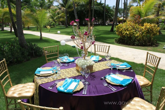 destination wedding, punta cana, dominican republic, la romana, secrets, dreams, now, aavtravel, beach wedding, table setting, purple, gold