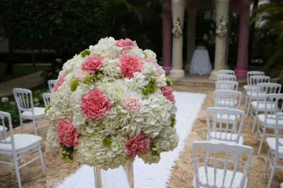 destination wedding, punta cana, dominican republic, la romana, secrets, dreams, now, aavtravel, beach wedding, flowers, white, pink, rose