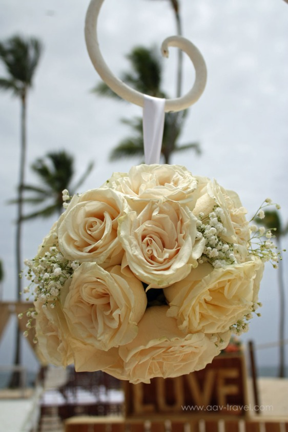 destination wedding, punta cana, dominican republic, la romana, secrets, dreams, now, aavtravel, beach wedding, flowers, roses, white