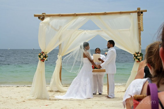 destination wedding, punta cana, dominican republic, la romana, secrets, dreams, now, aavtravel, beach wedding, ceremony, love