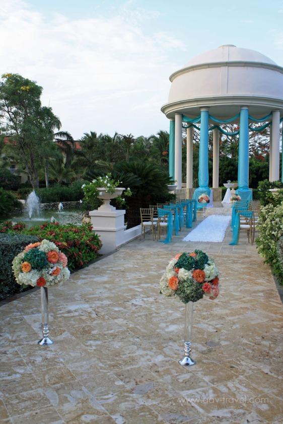 destination wedding, punta cana, dominican republic, la romana, secrets, dreams, now, aavtravel, beach wedding, ceremony location, pond