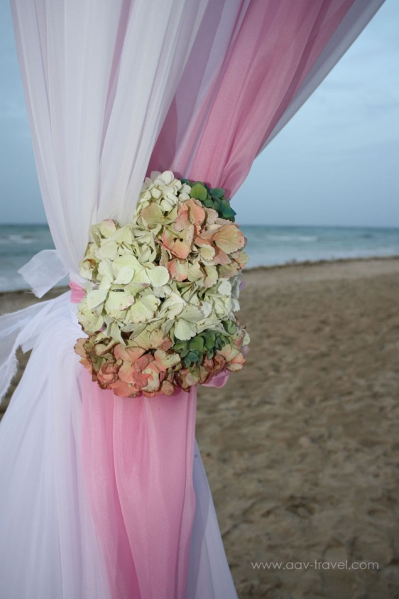 destination wedding, punta cana, dominican republic, la romana, secrets, dreams, now, aavtravel, beach wedding, hydrangea, flowers