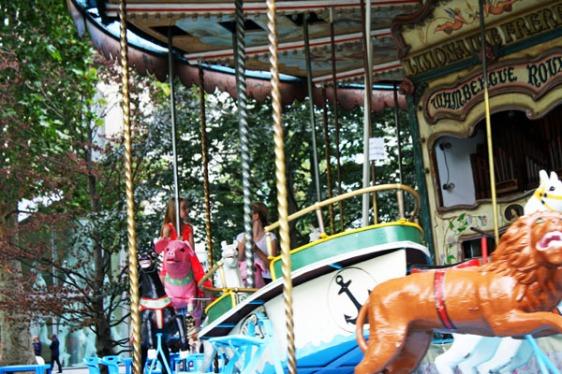 carousel, merry-go-round, bercy, paris, aavtravel