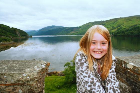 eilean donan castle, loch duig, scotland, aavtravel
